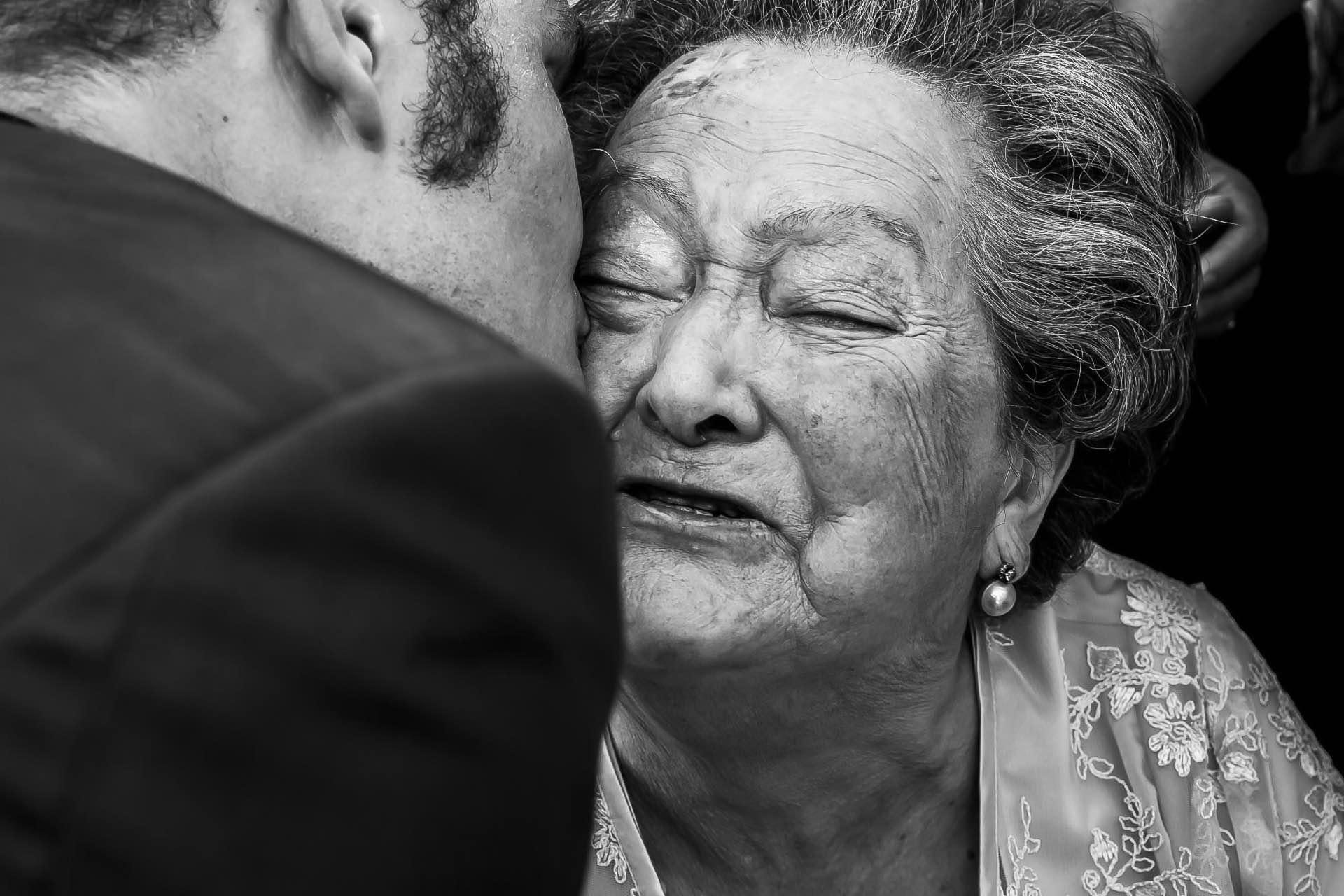 notblank-boda-abuela-Fotógrafo de boda-Malaposta-Portugal-Emoción-Lágrimas