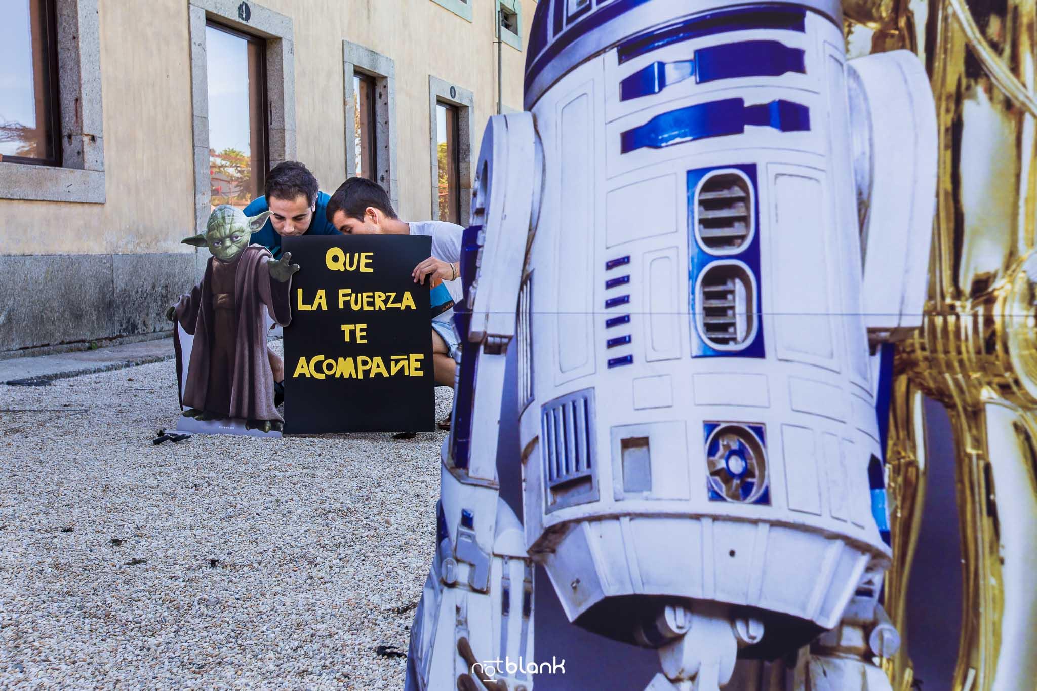 notblank-boda-Fotógrafo de boda-Malaposta-Portugal-Invitados-Boda Temática-R2D2-3CPO-Star Wars-Que la fuerza te acompañe