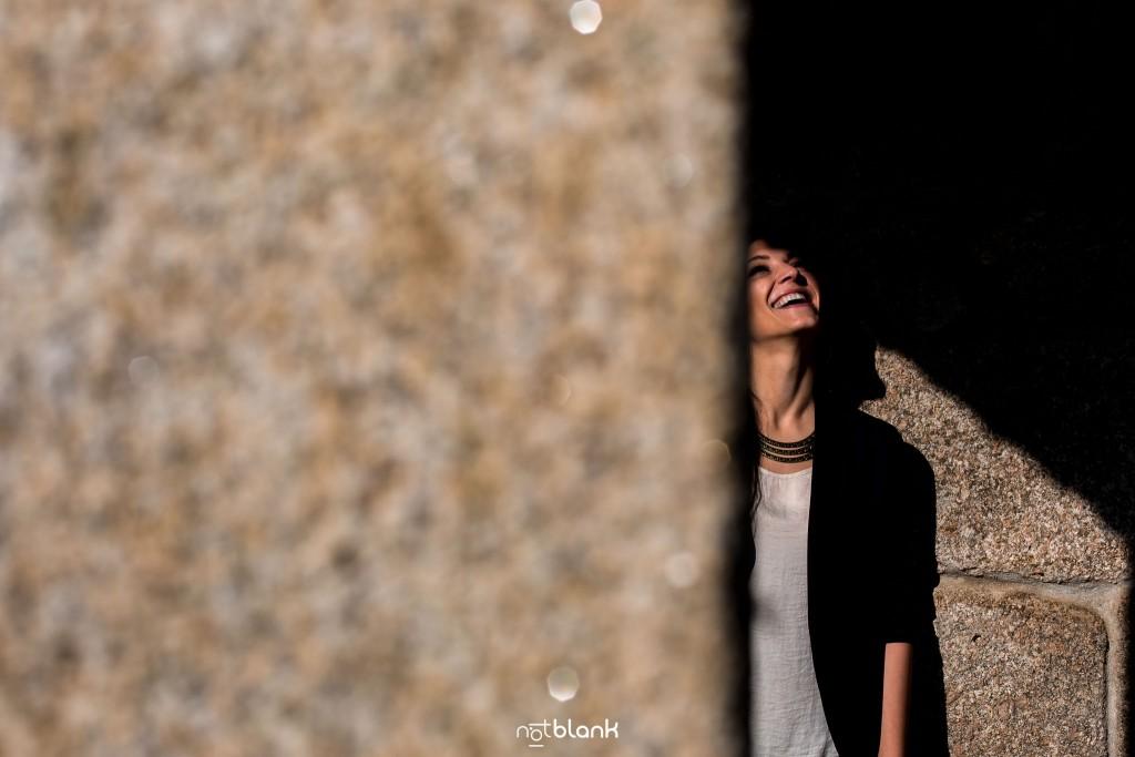 Sesión preboda en picoña. Retrato de la novia. Reportaje realizado por los fotógrafos de boda en Vigo Notblank.