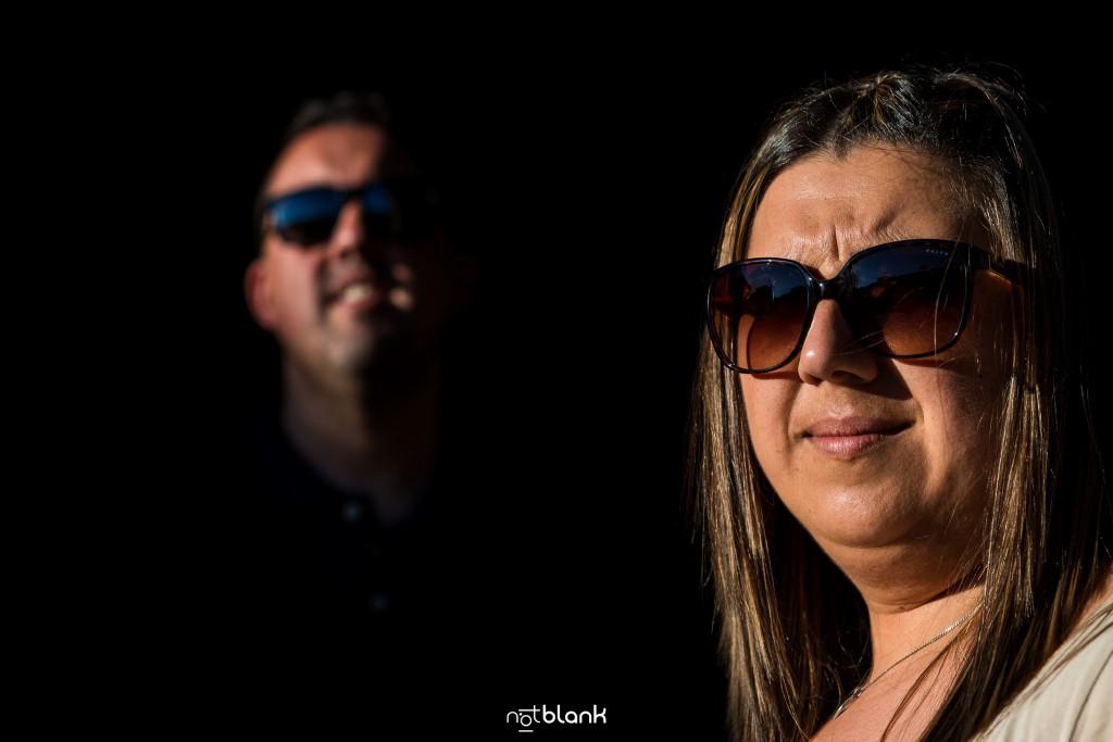 Preboda internacional en Valença do Minho. Retrato de los novios. Reportaje de sesión preboda realizado por Notblank fotógrafos de boda en Galicia.