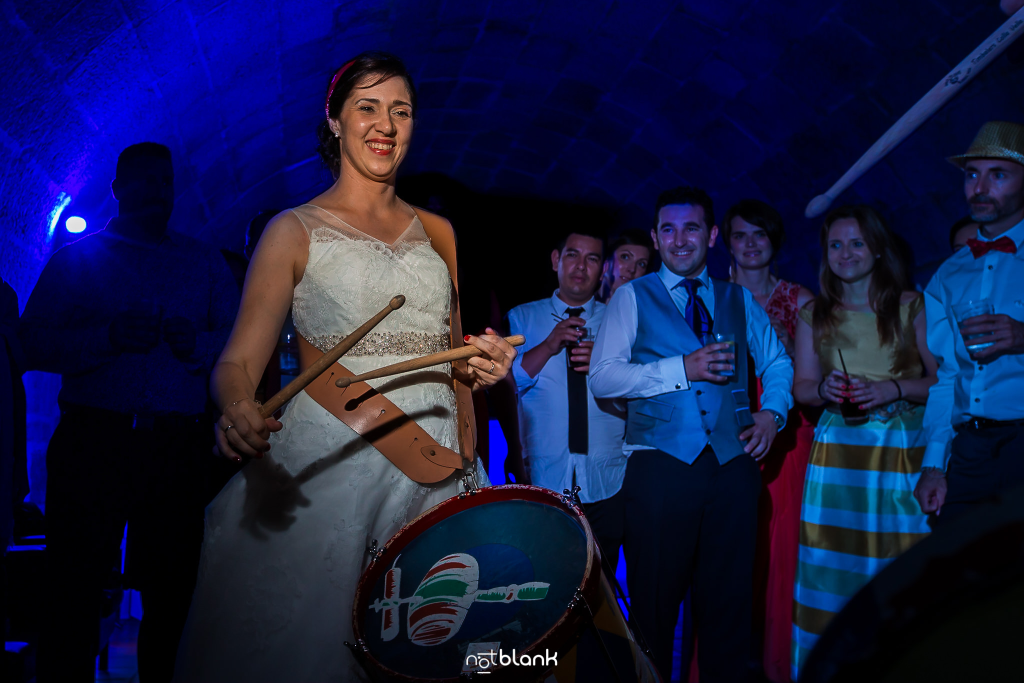 Fotos-De-Fiesta-Baile-Notblank-Fotografos-De-Boda-Galicia