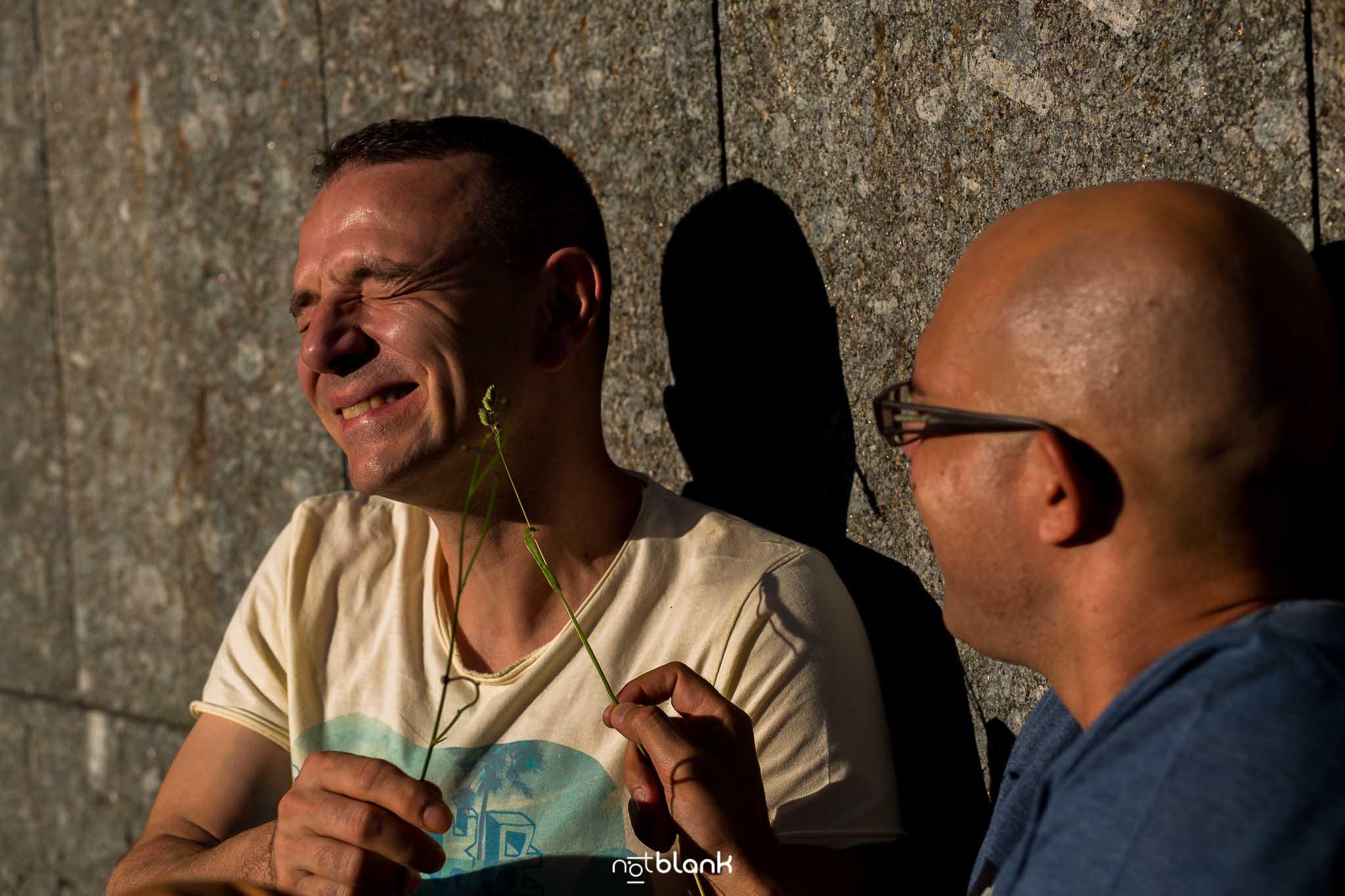 Sesion preboda gay en vigo realizada por Notblank fotógrafos de boda de Galicia