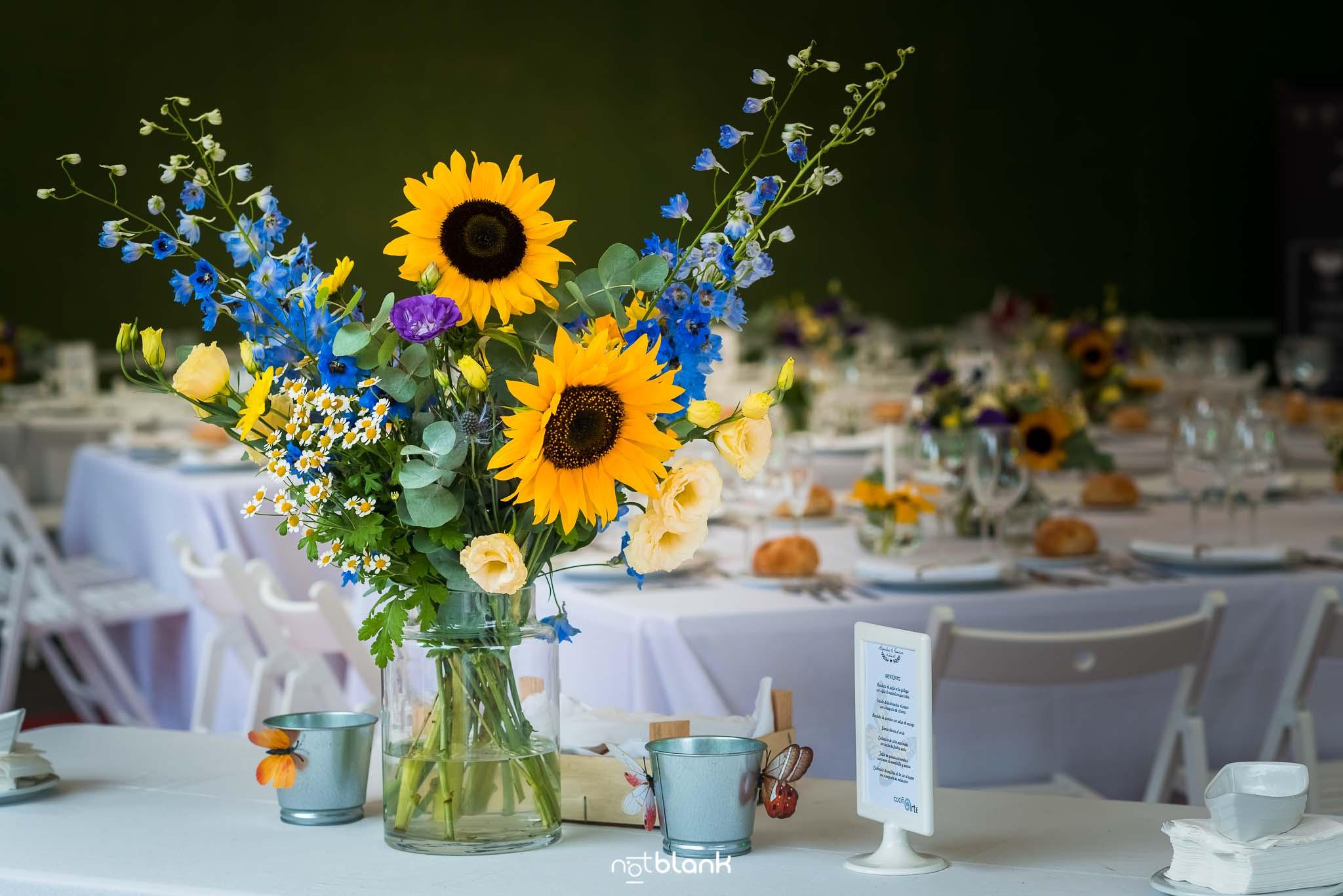 Boda En El Jardin De Casa Jana y Fran - Detalles de flores - Notblank Fotografos de boda