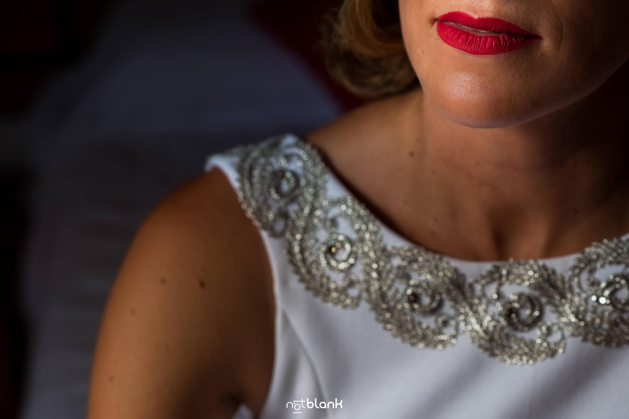 Boda En El Jardin De Casa Jana y Fran - Retrato de los labios la novia - Notblank Fotografos de boda