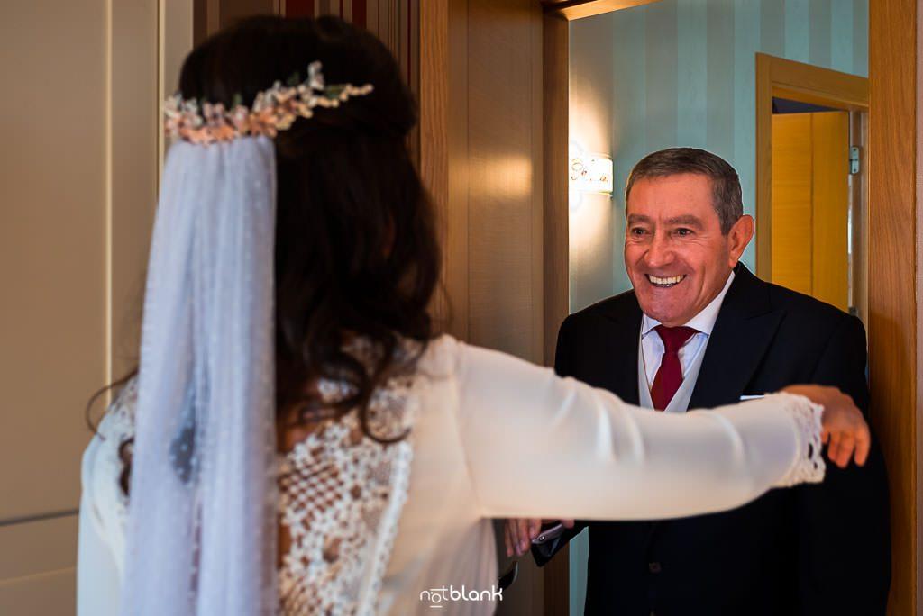 El padre de la novia antes de su boda