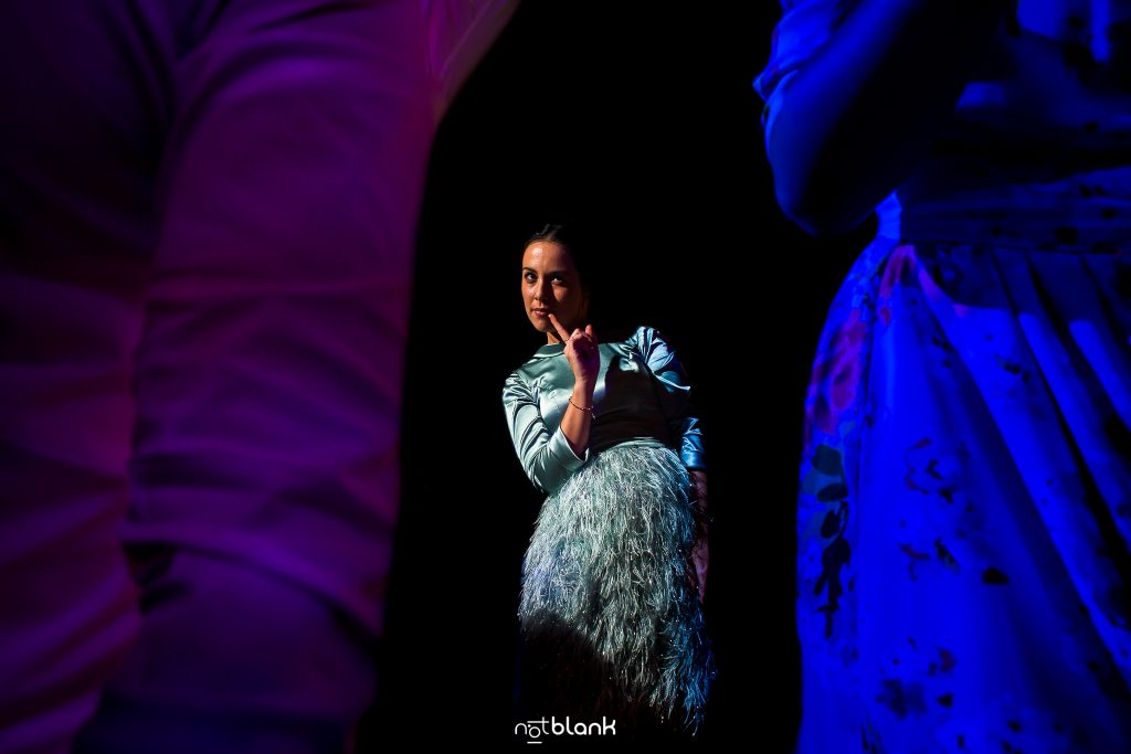 Chica Bailando Feliz En Abadia Do Pelouro Axeito
