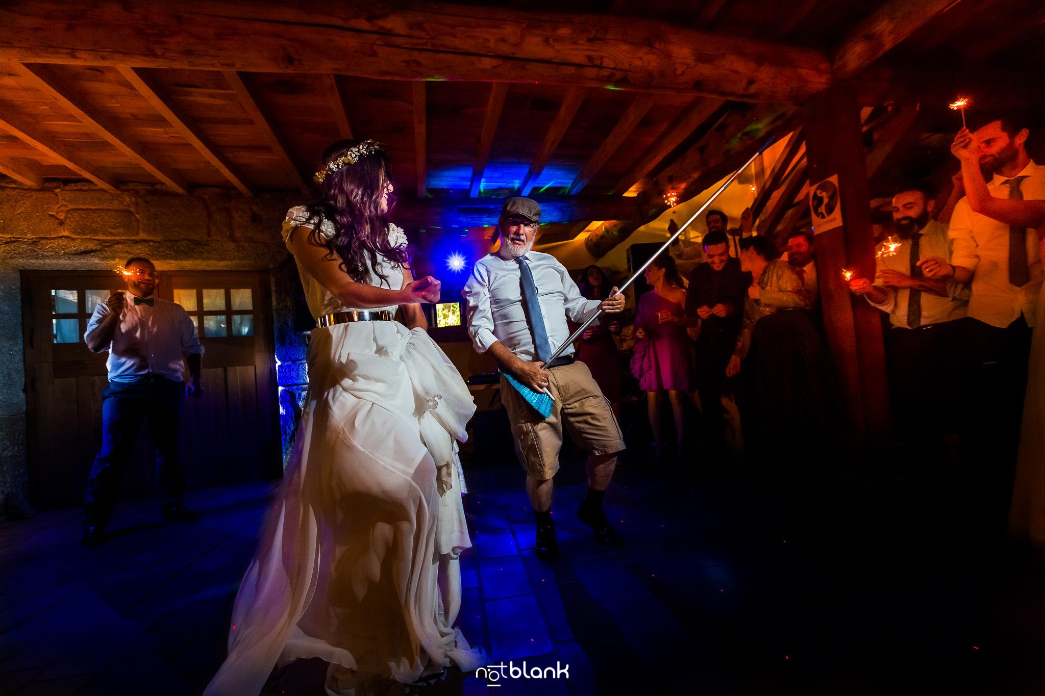 Elegir El Dj De Tu Boda | Novia Bailando Con Su Padre En Abadia Do Pelouro Axeito